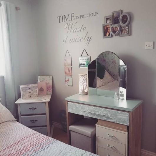 Nic's room